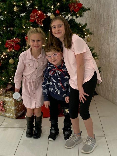 Kids Photo with Christmas Tree